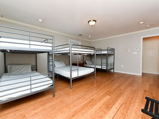 Elite Sleep 365 Women only room. Single Bed ( Bunk Bed 3 )