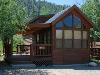 Cozy 'Modular' Style 1 BR with Sleeping Loft Cabin at Three Rivers Resort in Almont (#43)