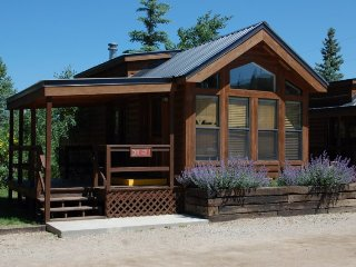 Cozy 'Modular' Style 1 BR with Sleeping Loft Cabin at Three Rivers Resort in Almont (#32)