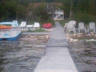 Hoist Dock Kayaks Beach Sleeps 12 Beautiful house on Portage Lake Onekama MI