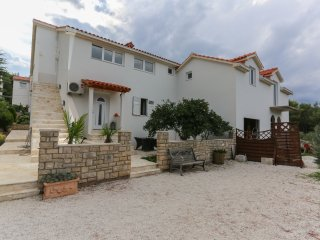 Apartment Opacak - Supetar- Brac