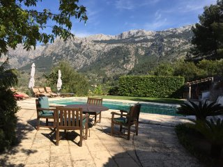 Ca'n Pons, Villa with breathtaking views, Wi-fi, Private Pool and gardens