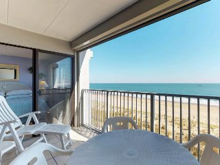 Oceanfront fun with a furnished balcony, fantastic view, and a shared pool