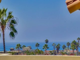 Spanish Style New Townhome Just Blocks To The Beach / Roof Top Deck Ocean View