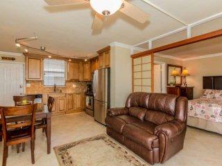 Beautifully Updated Interior, 8th Floor, Stunning View, Close Walk To Beach, Fre