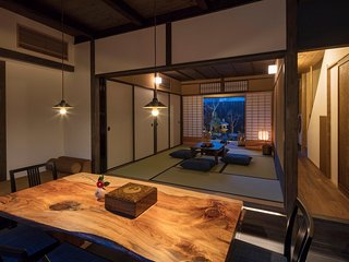 NEW! Spacious house GREAT access to GION & Kyoto STN x WiFi x 2 Toilets- AppleTV