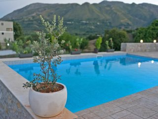 villa gose breath taking mountain view 35m2 pool