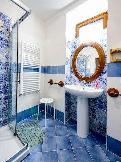 Private double bedroom bathroom (n 1)