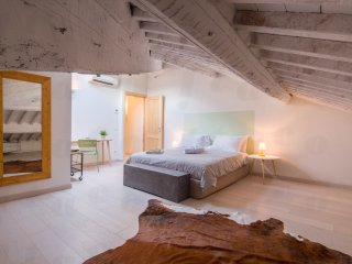 AMBRA attic sleeps 2