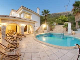 Villa Diana 4 Bedroom with private pool, BBQ and stunning sea view