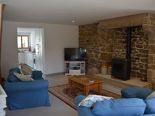 Recently renovated traditional cottage near Dinan