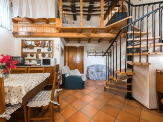 Villa Pittorino, Bluerose Chalet, w Kitchen, Private Patio, Garden, Parking
