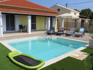 LIAKADA VILLA AND PRIVATE POOL - SLEEPS 6 AND STILL WALK TO THE BEACH!