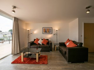 Kennet House Apt A Serviced Apartments, Reading by Ferndale