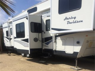 Luxury American Fifth Wheel RV for Holiday Rental - Costa Blanca, Spain