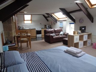 Cross House Apartment-Dog Friendly, Barn Conversion