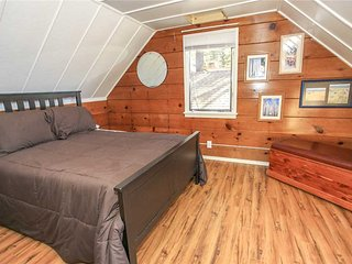 Lakeside Cabin 9