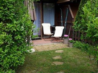 A louer studio** tout confort 4 personnes et son jardinet acces wifi