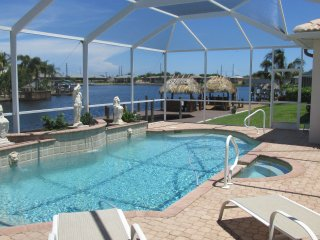 Waterfront Family-home, Pool , billiard, Gulf Access W/boat Dock
