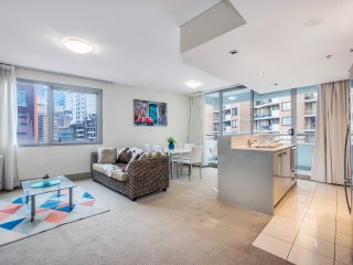 Huge Apartment Heart of Sydney CBD Darling Harbour