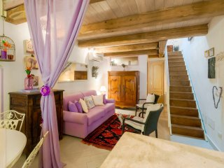 Beautiful  ATTIC in ALGHERO OLD TOWN,steps to Sea, 3 min.to Beach! In love?Click