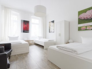 Apartment for Families and Groups with average age of 55 - Prenzlauer Berg