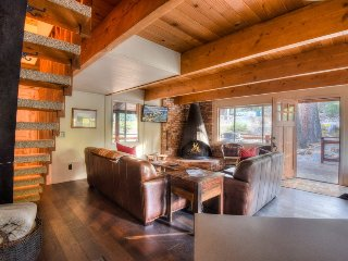 Cozy and Stylish Tahoe Cabin in Chamberlands