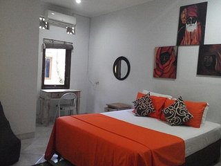 Rumah Sepuluh - Pondok Gaya Studio Apartments Sanur - Self Catering