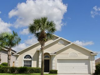 AhhVilla-14min to Disney, Resort living,2 Master Rms, Private Pool, Princess Rm