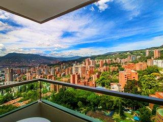 Top of the world views near everything-El Poblado