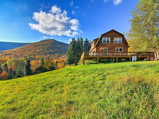 NEW! 'Bearpen Lodge' 3BR Halcott Cabin w/125 Acres