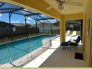 357MD. 4 Bed 3 Bath Pool Home, Tuscan Ridge In DAVENPORT FL.