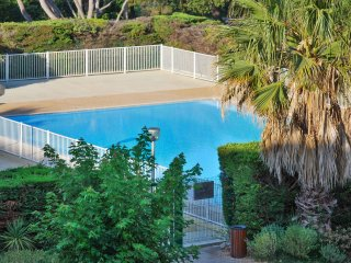 Delightful studio in Six-Fours, the Var, with large pool and stunning sea views