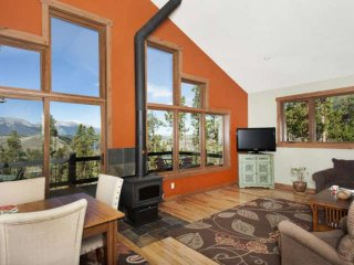 You Will Be Amazed At The Lake & Mountain Views! Minutes To Breckenridge
