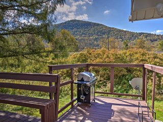 Hunter House w/ Deck & Mtn. Views Near Ski Slopes!