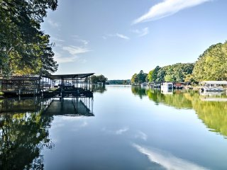 NEW! 3BR Hot Springs Home w/Dock on Lake Hamilton!