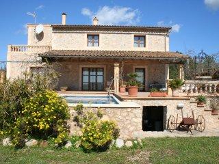 Sehr ruhig u. idyllisch gelegene Finca mit Pool, Top-Ausstattung und Küstenblick