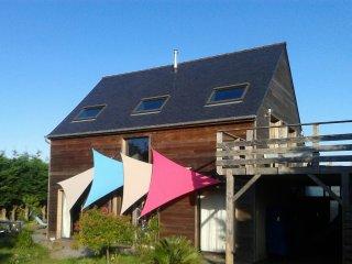 Cap d'Erquy Cap Frehel Maison d' architecte, 150 m2. SPLENDIDE vue mer 70 €/nuit