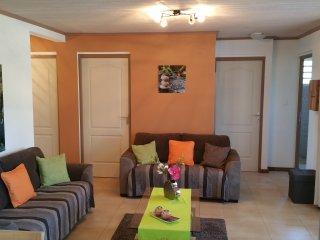 Maison entière meublée de 3 à 6 personnes - Entre Deux - La Réunion.