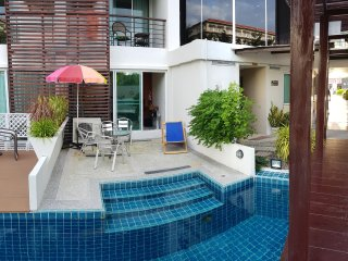 Swimmingpool condo in Hua Hin (centre)