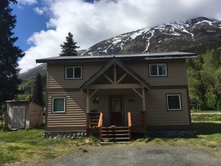 Moose Pass Vacation Home
