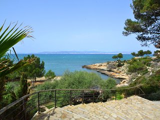 CALA BLAVA. Access to the beach at only 300 mts.
