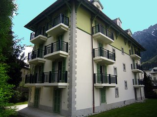 AstoriaB - 3 bedroom luxury apartment in Chamonix centre, beautfully appointed