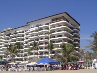 Old Town Beachfront Condominium - Spectacular View!