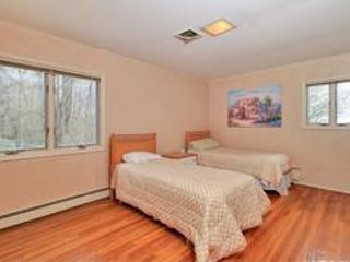 Lovely House - Large Guest Room