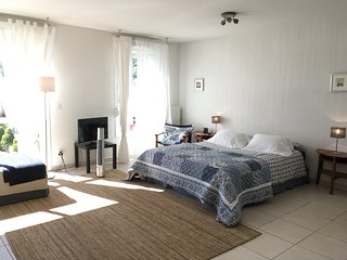 Manosque Cadarache Iter, flat with Pool,