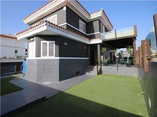 Modern Villa with Private Pool, Sea & Golf Views