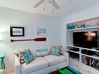Island Bay: Bradenton Beach Condo With Fantastic Island Decor!