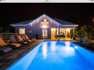 Villa de standing pour 10 personnes a 6 min des plages piscine privee au sel