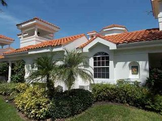 Villas Del Mar in Olde Naples